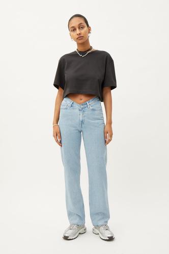 Фото №12 - Самые красивые джинсы 2021: полный гид по актуальным моделям