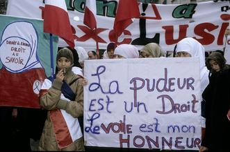 Фото №6 - Государство в государстве: как устроена жизнь в парижских иммигрантских районах