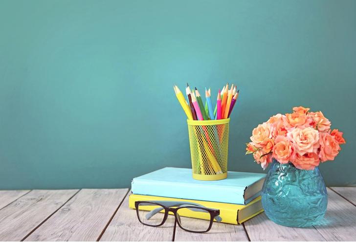 Фото №1 - Что подарить на День учителя: 10 идей необычных подарков