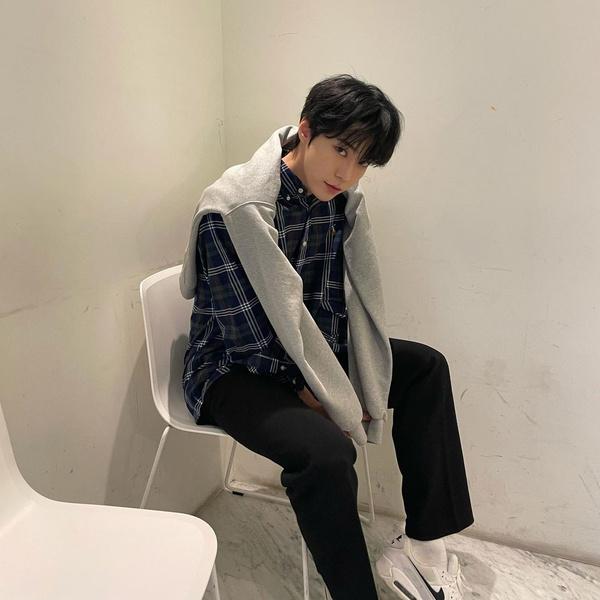 Фото №2 - Доён из NCT рассказал о своем трудном пути к карьере певца 🐰