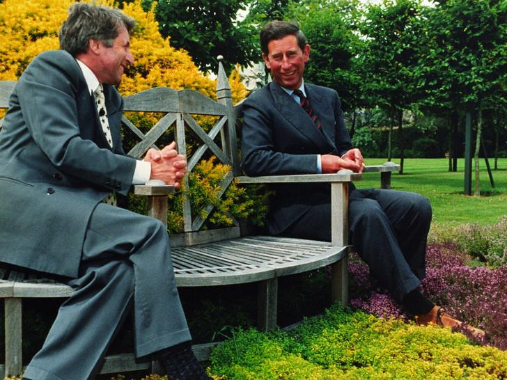 Фото №4 - Почему отец герцогини Камиллы всегда был против ее романа с принцем Чарльзом