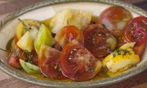 Как приготовить на зиму помидоры с бархатцами