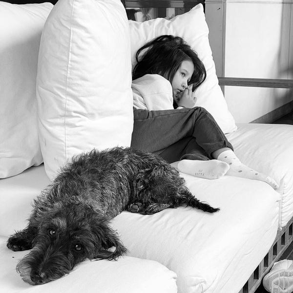 Фото №3 - Мир. Дочь. Май: Иван Ургант опубликовал фото с младшей наследницей, которой скоро исполнится 5 лет