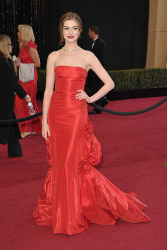 Фото №4 - Выход на миллион: самые дорогие платья звезд в истории красных дорожек