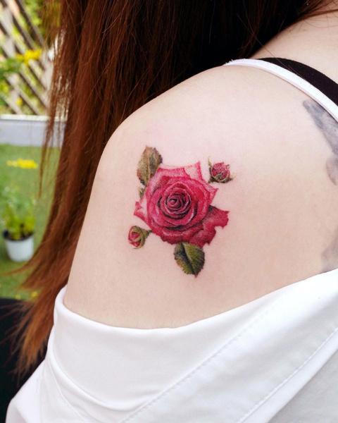 Фото №9 - Какие татуировки подойдут разным знакам зодиака? 👀