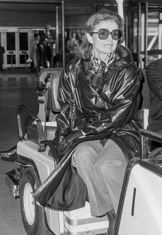 Фото №5 - Любимые солнцезащитные очки Жаклин Кеннеди