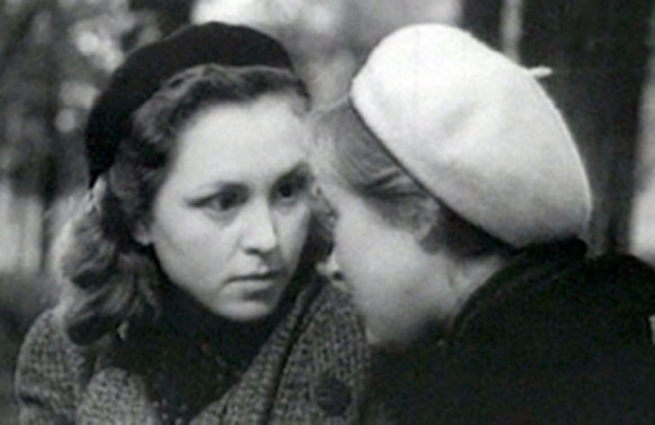 Фото №4 - «Я чайка»: все о Валентине Караваевой— актрисе, которая из-за шрама на лице не могла играть в кино, сбежала от мужа-миллионера и сошла с ума