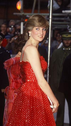 Фото №16 - Первые модные победы: лучшие образы Дианы до брака с принцем