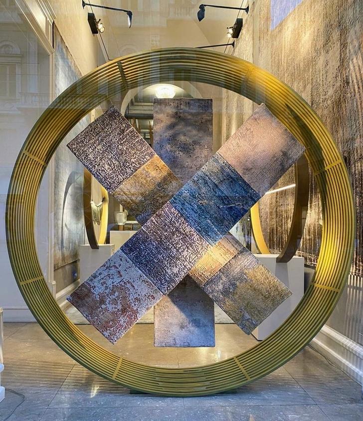 Фото №1 - Коллекция ковров Strati по дизайну Майка Шилова для Sahrai
