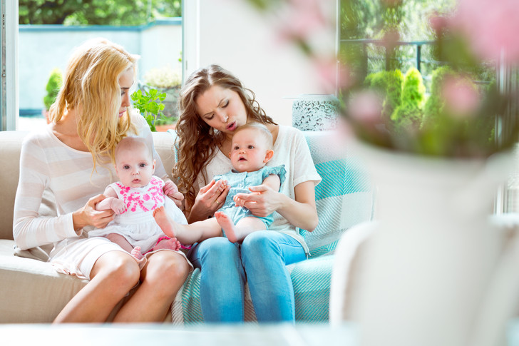 Фото №2 - Почему мамы с детьми так бесят окружающих, и как это прекратить