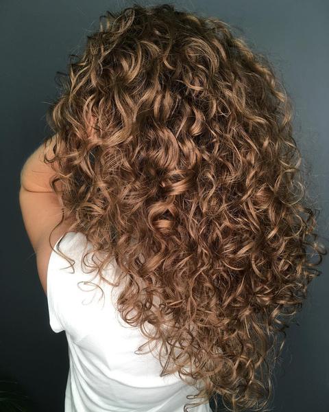 Фото №2 - Карвинг волос: все об альтернативе химической завивке