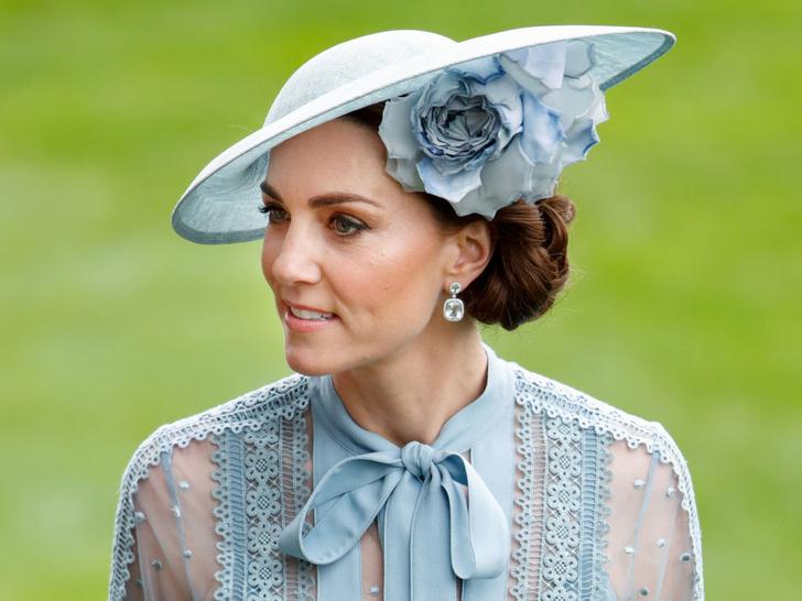 Фото №2 - От герцогини Кейт до кронпринцессы Мэри: как королевские особы носят топазы