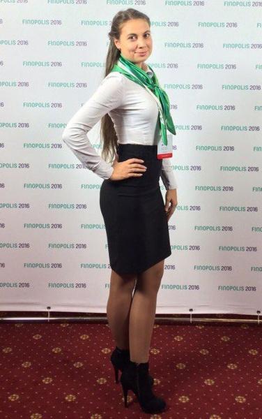 Самые красивые девушки банков, фото