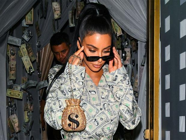 Фото №1 - It's official: Ким Кардашьян стала долларовой миллиардершей