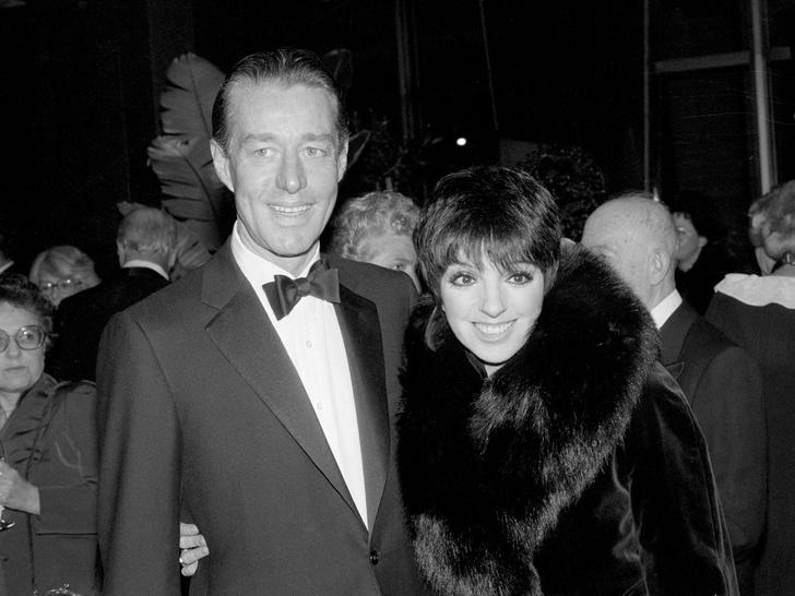 Фото №4 - Легендарный Рой Холстон: как самый звездный дизайнер 70-х создал и потерял свою модную империю