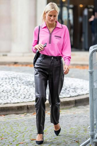 Фото №5 - Советы стилиста: правила сочетания ярких цветов в одежде