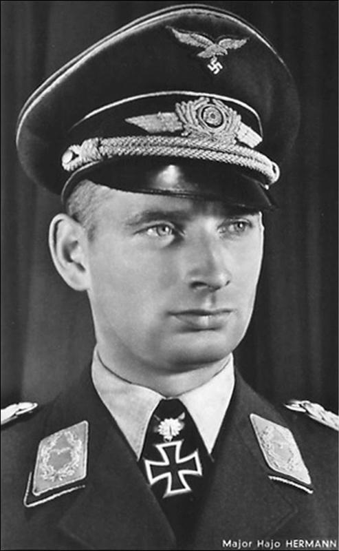 Фото №3 - Спецотряд «Эльба»: первая атака немецких камикадзе