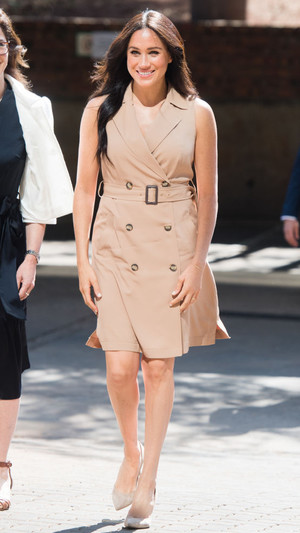 Фото №11 - Неидеальная Меган: модные провалы герцогини Сассекской