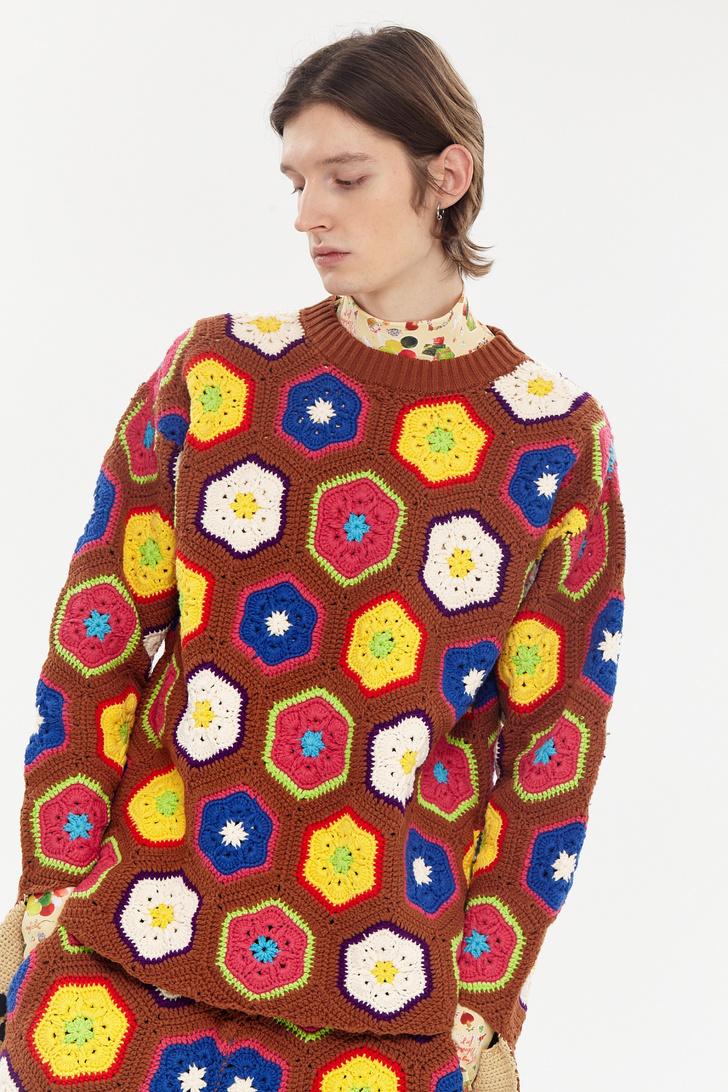 Фото №4 - 12 ярких свитеров, которые сделают вашу осень уютной