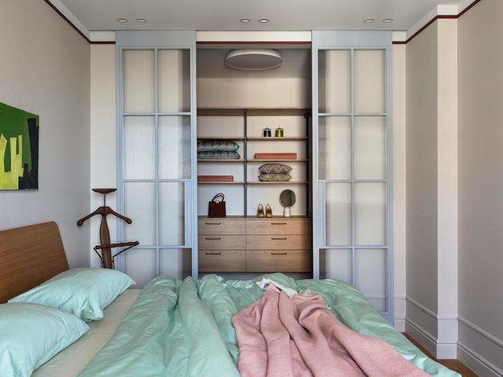 Фото №7 - Яркая квартира для молодоженов и золотистого ретривера 62 м²