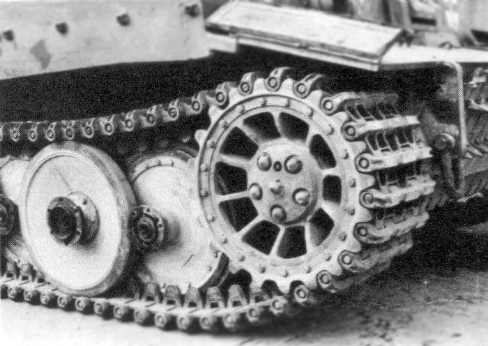 Фото №2 - Почему у немецких танков были такие странные гусеницы