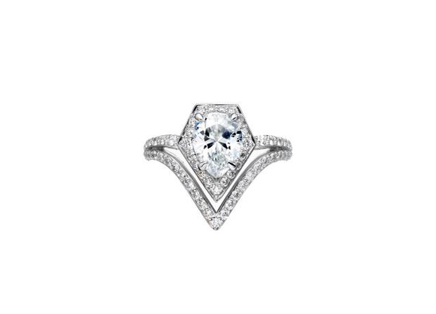 Обручальное кольцо из коллекции Karl Lagerfeld