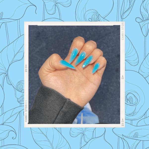 Фото №1 - Маникюр русалочки: стильный нейл-тренд от Ани Покров 🧜♀️