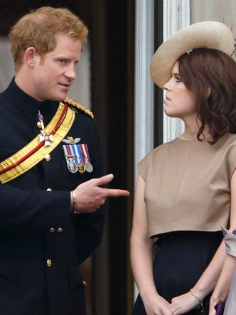 Фото №3 - Кого из королевской семьи Гарри первым познакомил с Меган (это не Уильям)