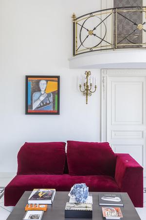 Фото №6 - Яркая квартира с дизайнерской мебелью в Неаполе