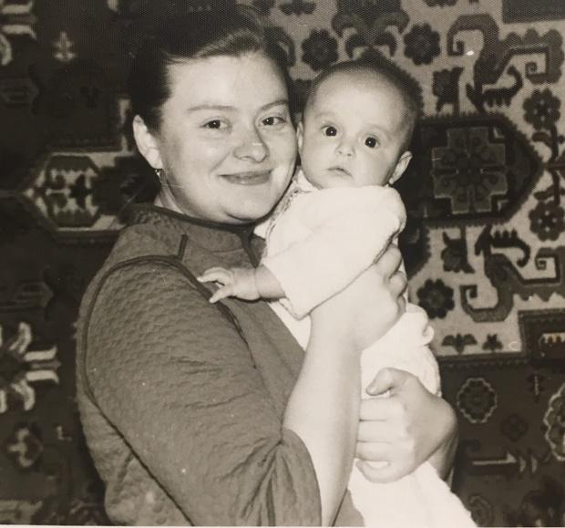 Фото №9 - 15 фото, которые докажут: дочки превращаются в копии своих мам