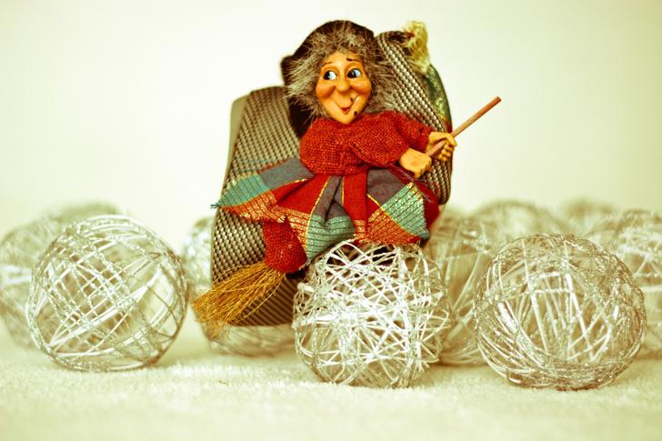 Фото №2 - Кто приносит детям подарки в других странах?