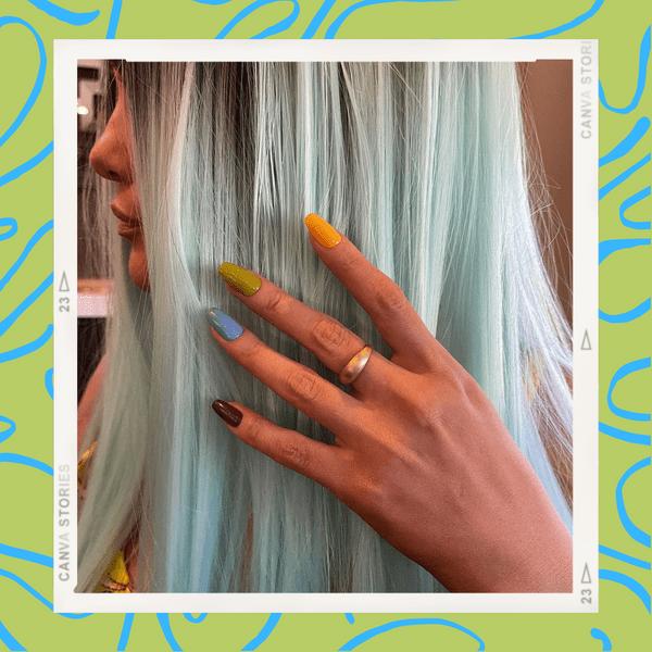 Фото №1 - Трендовый разноцветный маникюр: вдохновляемся ногтями Селены Гомес из клипа «999»