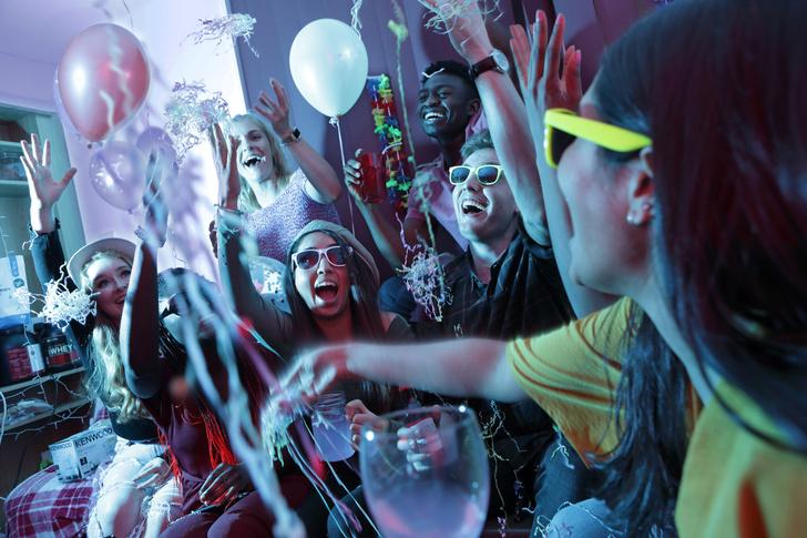 Фото №5 - 30 крутых челленджей, которые сделают любую вечеринку незабываемой