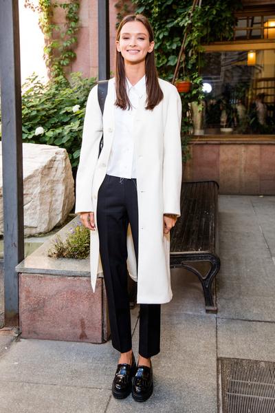 Фото №8 - «Хороша! Хоть в мешке, хоть в трениках»: что читательницы Woman.ru думают о нарядах и стиле Паулины Андреевой