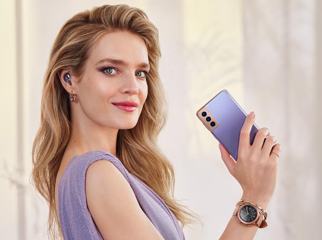 Фото №1 - «Выходи за рамки возможного»: Наталья Водянова стала новым амбассадором бренда Samsung Россия