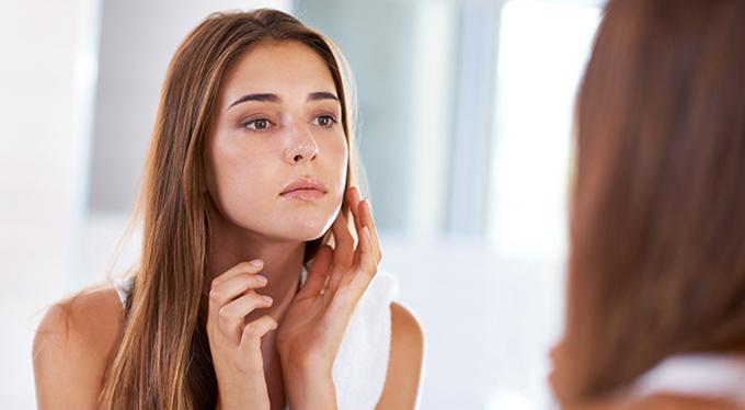 Тревога на лице: психологическая природа кожных реакций