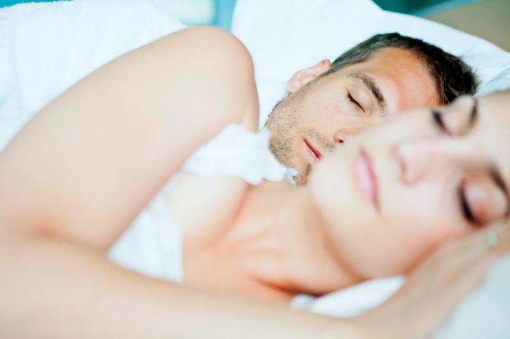 спать голым польза вред