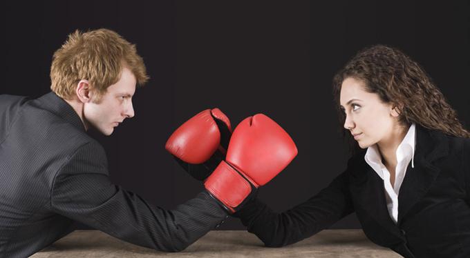 Кто кому начальник: почему мы выясняем отношения на работе