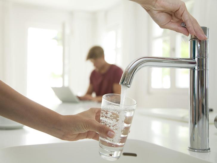 Фото №3 - Фильтрованная, в бутылке или кипяченая: какая вода самая полезная для здоровья