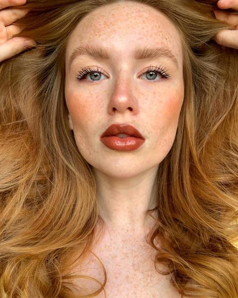 Фото №7 - Макияж для блондинок, брюнеток и рыжих: модные тренды лета 2021
