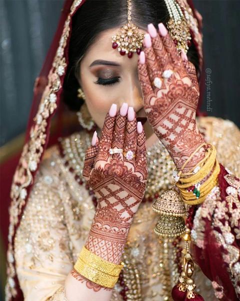 Фото №2 - 16 процедур, без которых индийскую невесту не выдадут замуж
