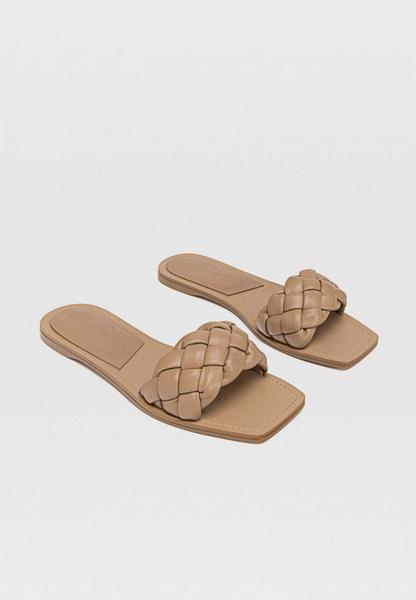 Фото №3 - Самые модные сандалии на лето 2021