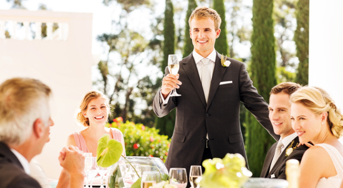 Мужчина отомстил лучшему другу на свадьбе и произнес разоблачающий тост