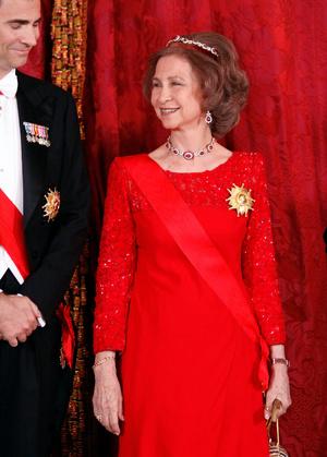 Фото №19 - Камни судьбы: самые роскошные рубиновые тиары королевских семей