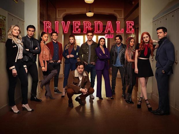 Фото №1 - WOW: «Ривердейл» выпускает новую линию одежды