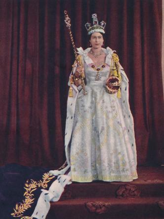 Фото №10 - Великолепный век: 50 лучших королевских образов за 100 лет