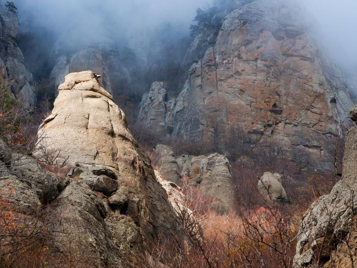 Фото №3 - Долина призраков и алтарь шаманов: 10 знаменитых мистических мест России