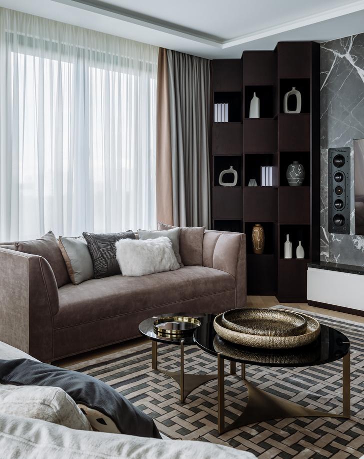 Фото №2 - Сила контраста: строгая мужская квартира 112 м²