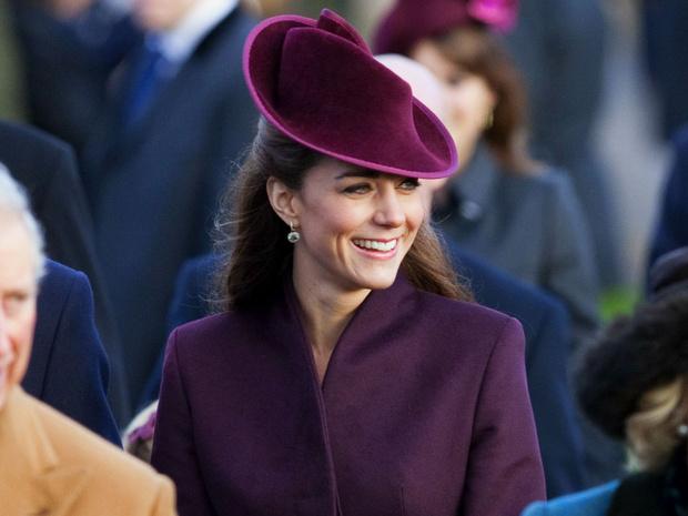 Фото №2 - Идеальная невестка: подарок, которым Кейт покорила Королеву