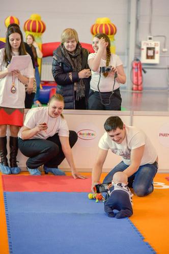 Фото №2 - Стали известны чемпионы «Забега в ползунках» в Санкт-Петербурге